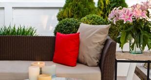 Mobili per giardino in materiali sintetici