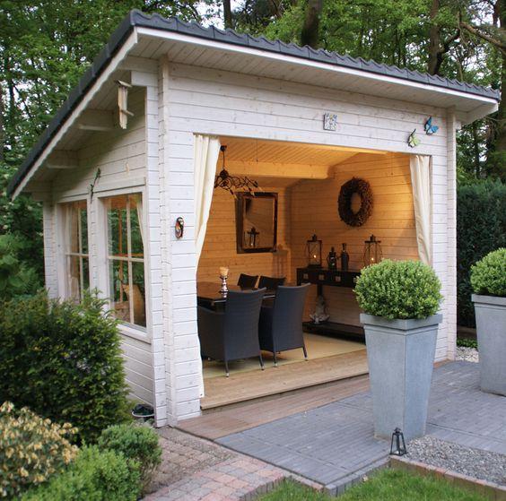 13 idee per usare le casette in legno da giardino arreda - Casette per uccellini da costruire ...