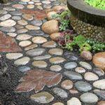 pavimento da giardino ciottoli