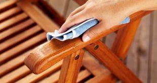 pulire i mobili da esterno