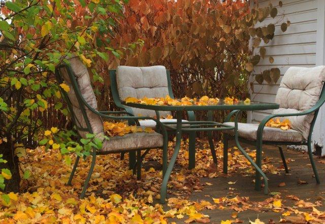 riporre i mobili da esterno autunno