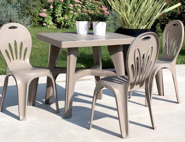 foto: tavolo in resina ecofriendly