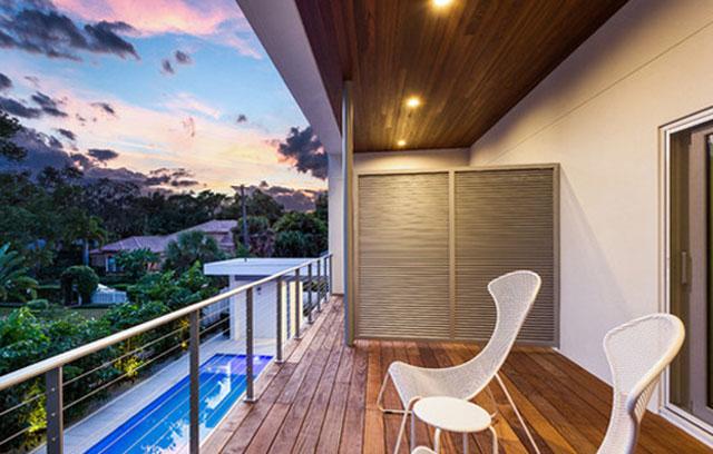 7 idee per ricavare un ripostiglio in terrazzo foto for Cassapanca da balcone