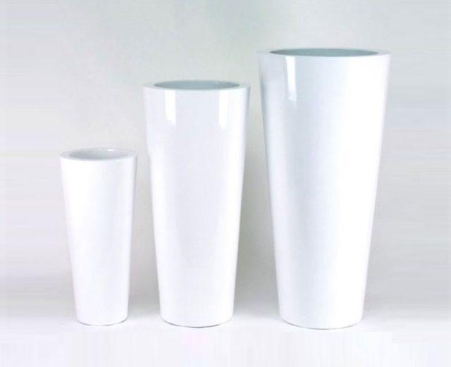 Vasi Bianchi Per Fiori Da Esterno.Come Usare I Vasi Da Giardino Per Uno Stile Minimal Chic