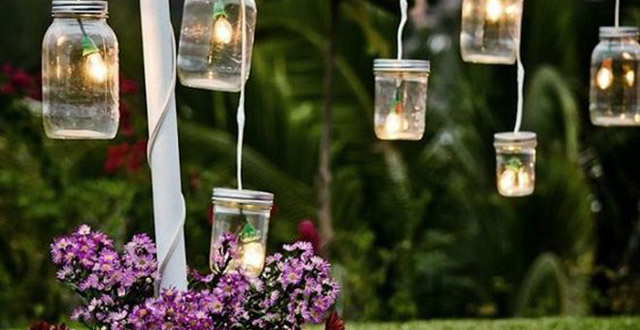 giardino shabby chic barattoli vetro luci