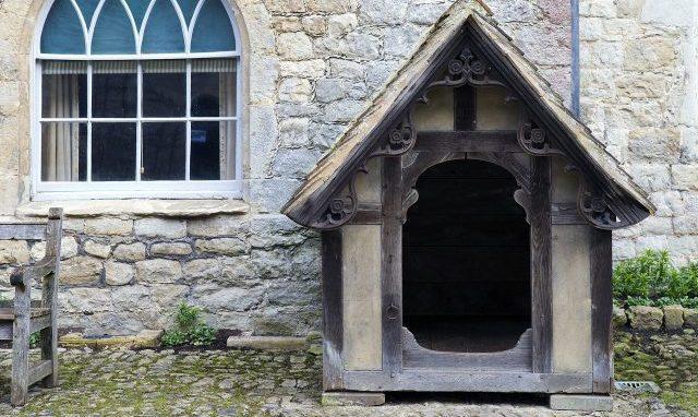 Elaborate dogs kennel 646050 1280 arreda il giardino - Eliminare odore pipi cane giardino ...