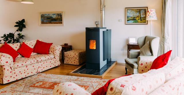 Riscaldamento casa a basso costo 2 metodi efficaci arreda il giardino - Stufe a pellet a basso costo ...