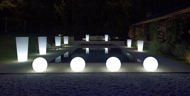 vasi luminosi come luci da giardino