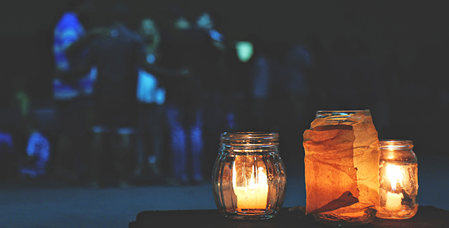 vasi e candele come luci da giardino