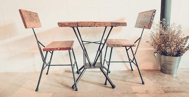 tavoli-per-giardino-in-acciaio
