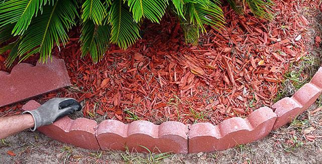 Aiuole da giardino e definizione del perimetro arreda il giardino