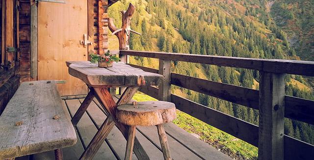 tavoli-per-giardino-in-legno