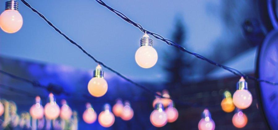 illuminazione per festa in giardino