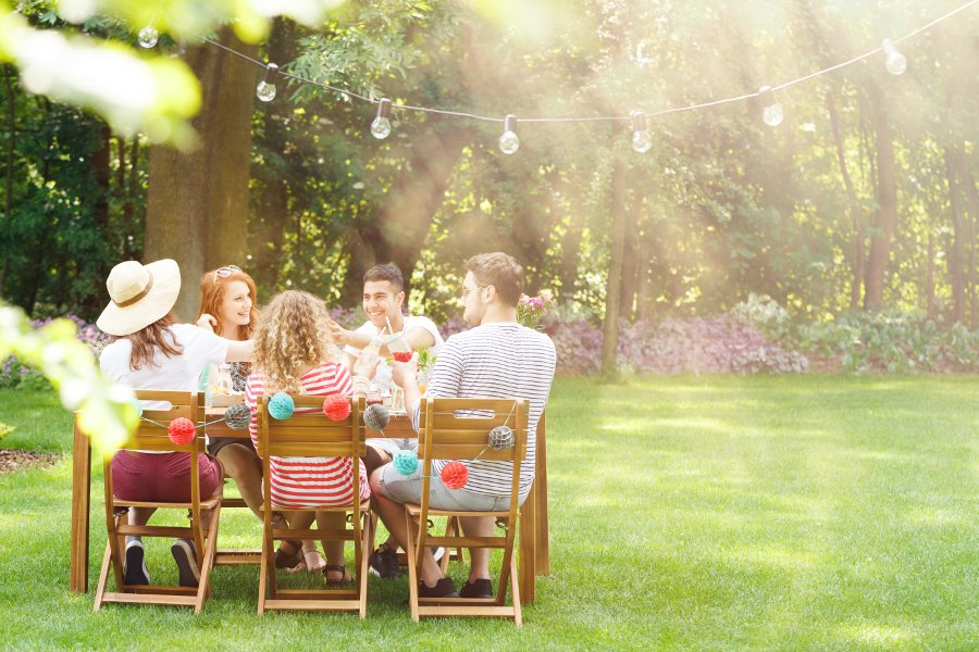 7 consigli per organizzare una festa in giardino arreda il giardino - Organizzare il giardino ...