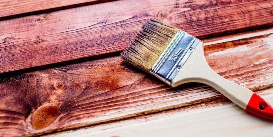 prodotti per la cura e la protezione dei pavimenti in legno