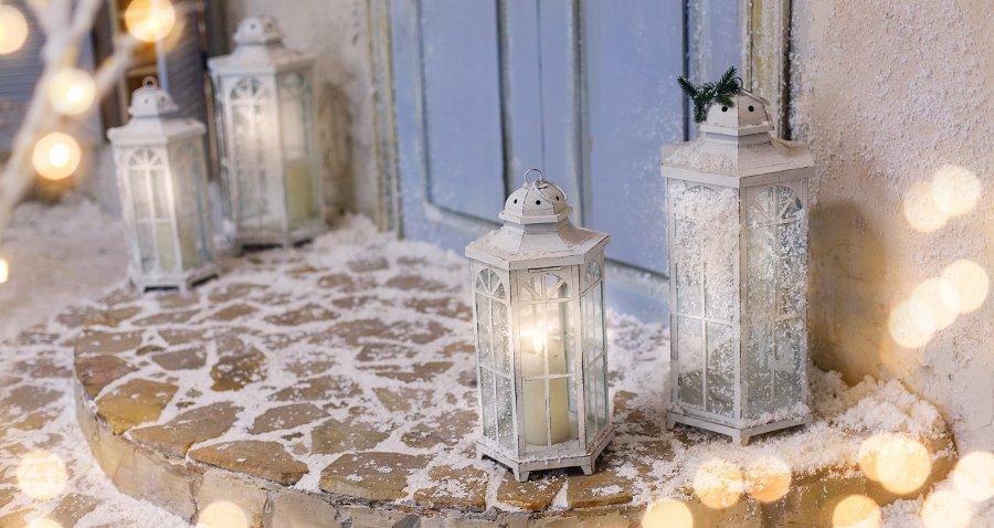 lanterne per decorare il giardino per natale