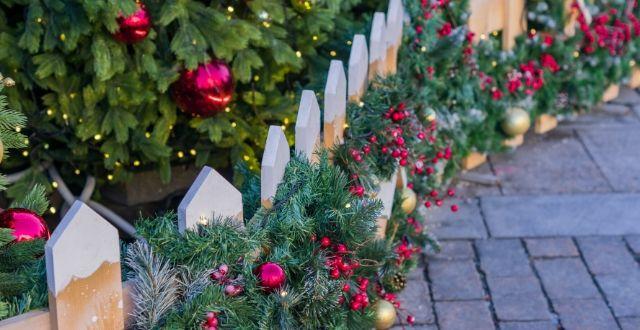 recinzione decorata per natale