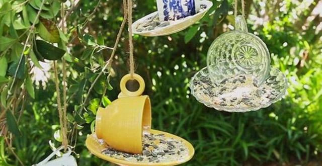idee-giardino-fai-da-te-tazzine-mangiatoia-uccelli