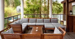 divano-da-esterno-grande-in-legno