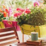 fioriere per arredare un balcone stretto e lungo