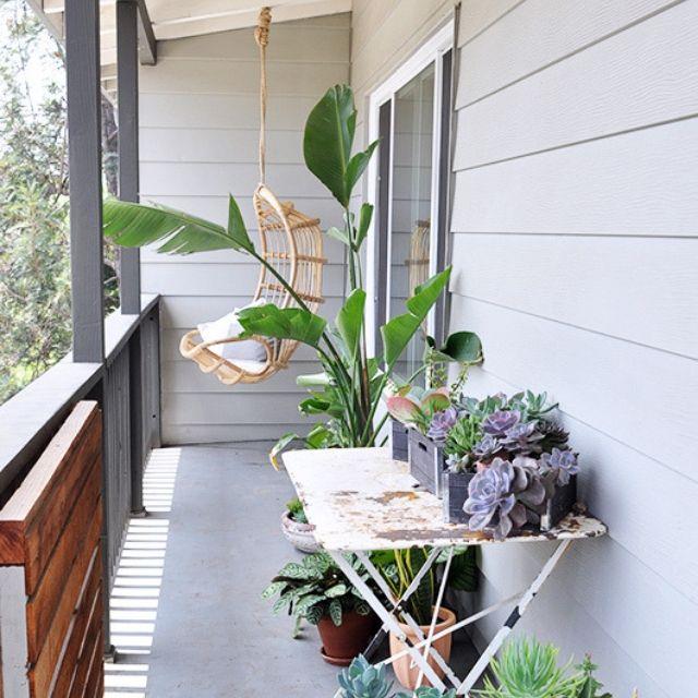 sedia vimini pensile per balcone lungo e stretto
