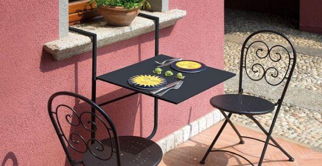 tavolino da ringhiera arredare un balcone stretto e lungo