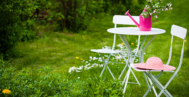 come-arredare-un-giardino-spendendo-poco-con-accessori