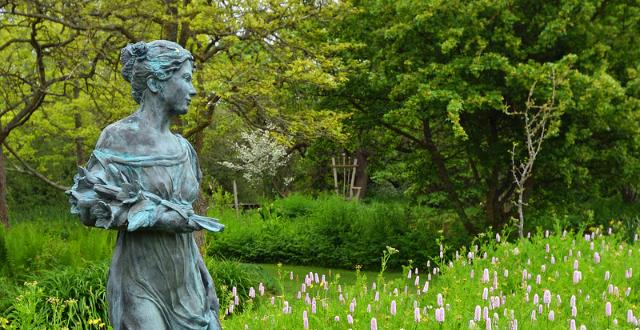 statua giardino